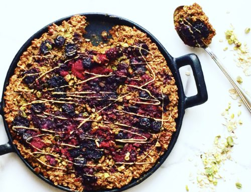 Chocolate Pistachio Berry Baked Oatmeal